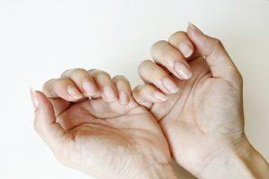 お家で出来る! 美しい爪のためのネイルケアの方法♪